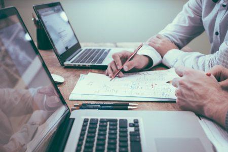desk-writing-work-hand-man-working-596254-pxhere.com_.jpg